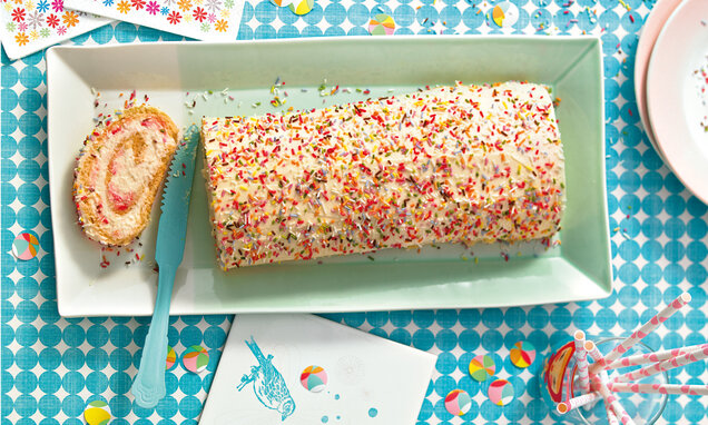 Cremige Bunte-Roulade
