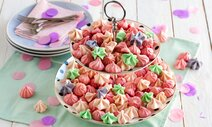 Bunte Meringue Kisses